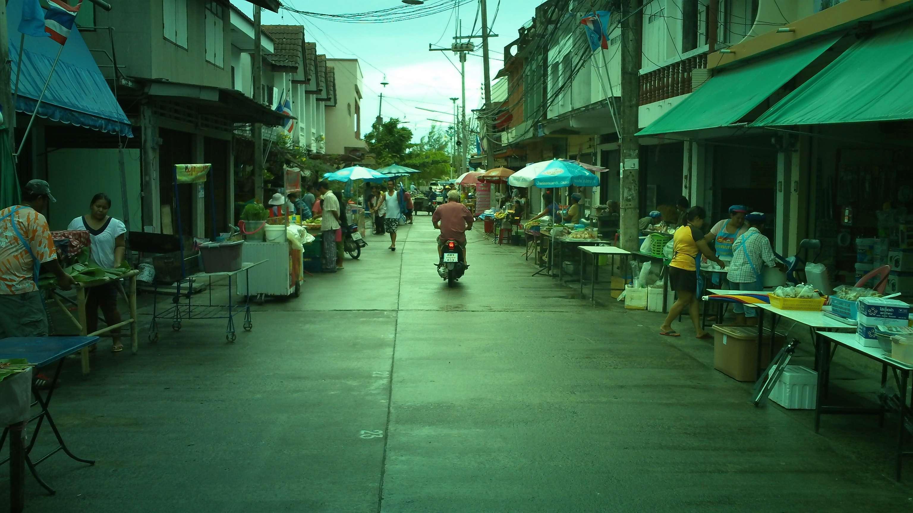 Marktstraße in Thongsala